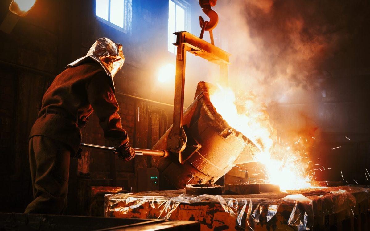 鋳造作業のイメージ